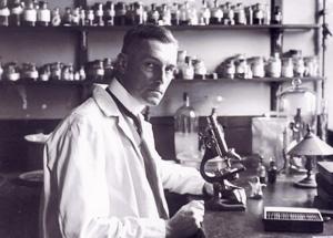 Spilsbury in his laboratory
