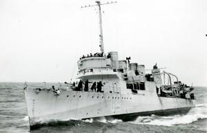 HMS Leamington at sea, 1942