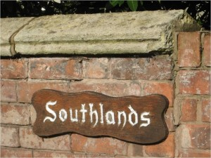 Southlands_sign (800x600)