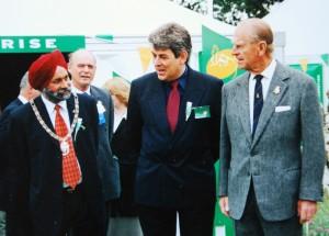 Mota and HRH Prince Philip © Mota Singh