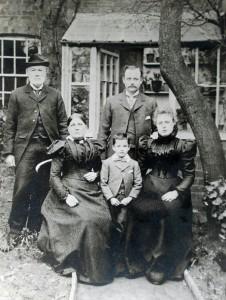 James Family Park Tavern Warwick [Frank James] (605x800)